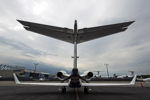 L'action de Bombardier reculait vendredi après-midi de 5... (PHOTO ARCHIVES BLOOMBERG)
