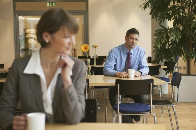 Au Canada, 63% des salariés reconnaissent avoir eu une histoire d'amour avec... (PHOTO THINKSTOCK)