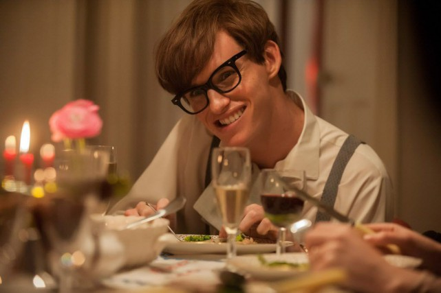 Eddie Redmayne, joue le rôle du scientifique britannique... (Photo Focus Features, LLC, Liam Daniel, AP)