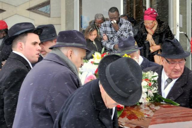 Jean-Claude Okengé a rendu un dernier hommage à... (Collaboration spéciale, Éric Beaupré)