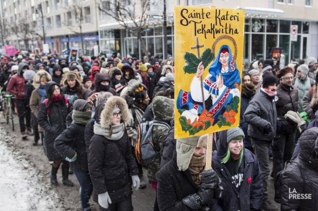 Au Québec, les marcheurs s'étaient donné rendez-vous au... (PHOTO EDOUARD PLANTE-FRÉCHETTE, LA PRESSE)