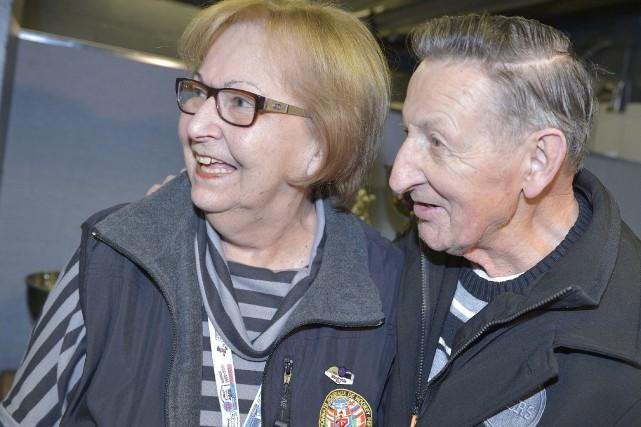 C'est avec grand plaisir que Walter Gretzky a... (Photo Le Soleil, Jean-Marie Villeneuve)