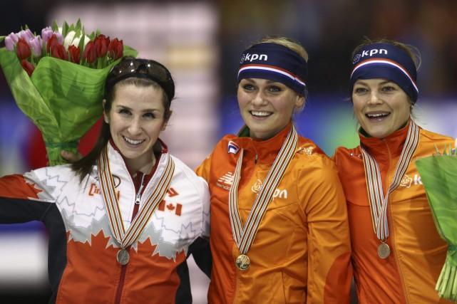 Ivanie Blondin (à gauche) a présenté le deuxième... (Peter Dejong, Associated Press)