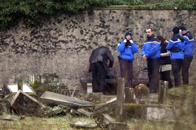 La profanation de plusieurs centaines de tombes à... (PHOTO CHRISTIAN LUTZ, AP)