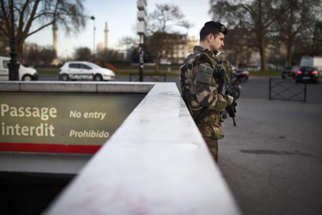 Des attaques terroristes ontfait 17 morts à Paris... (PHOTO MARTIN BUREAU, AFP)