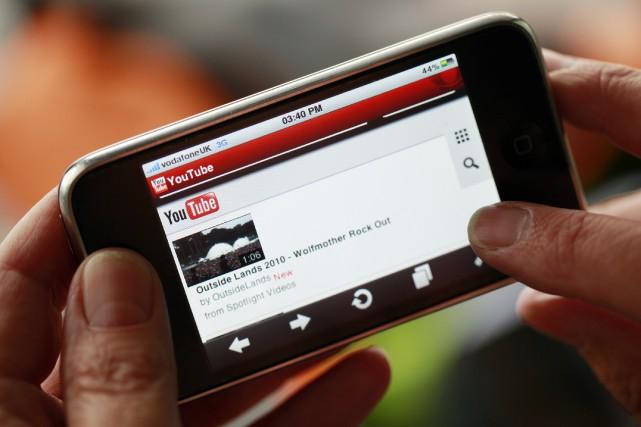 La moitié des visionnements de YouTube provient aujourd'hui... (Photo archives Bloomberg)
