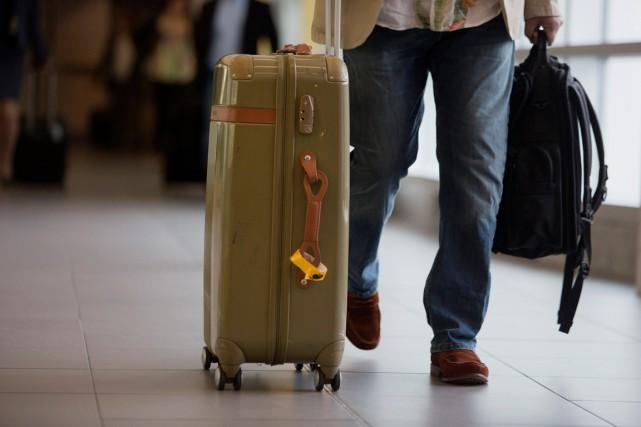 surr u00e9servations  ottawa demande la fin des expulsions de passagers