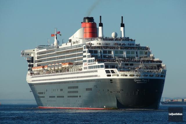 Le Queen Mary 2... (PHOTO ARCHIVES LE QUOTIDIEN)