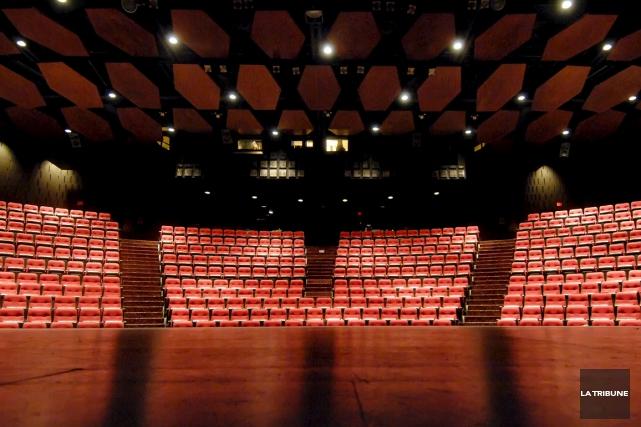 La saison 2015-2016 du Théâtre Centennial, à l'Université Bishop's, est... (Archives La Tribune, Frédéric Côté)