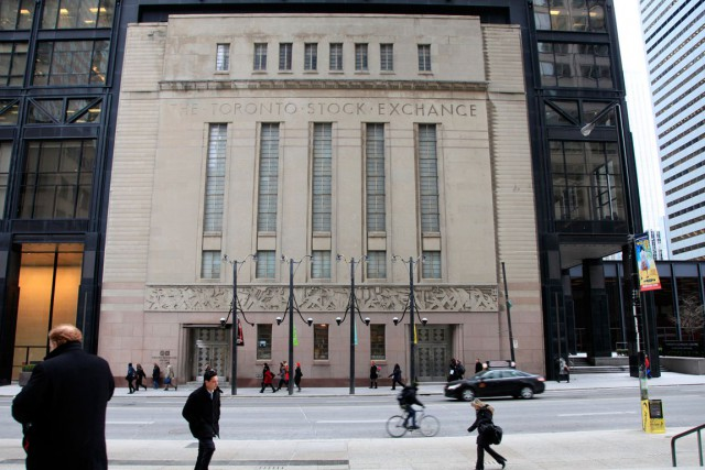 Le marché canadien des fonds négociés en Bourse (FNB) connaît une croissance... (Photo Reynard Li, Archives Bloomberg)