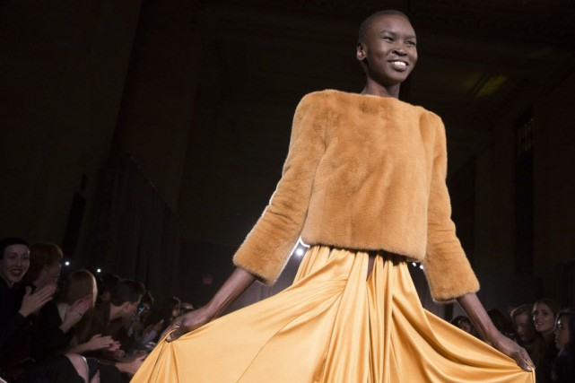 L'influence disco chez Zac Posen.... (Photo John Minchillo, AP)