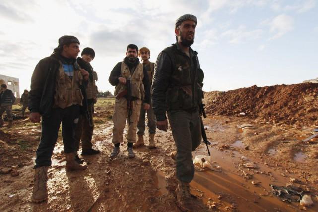 Des combattants rebelles dans la région deal-Mallah.... (Photo Rami Zayat, Archives REUTERS)
