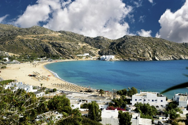 Chaque été, les villages balnéaires des îles grecques sont pris d'assaut par... (Photo Digital/Thinkstock)