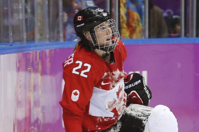Hayley Wickenheiser... (Photo Mark Humphrey, archives La Presse Canadienne)