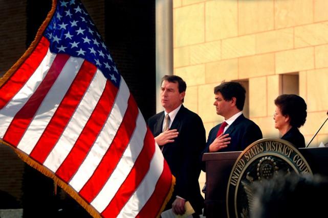 Le juge Andrew Hanen (à gauche) lors de... (Archives AP)