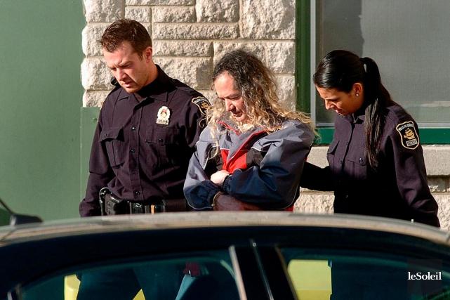 Tout de suite après avoir été arrêté, le... (Photothèque Le Soleil, Jean-Marie Villeneuve)