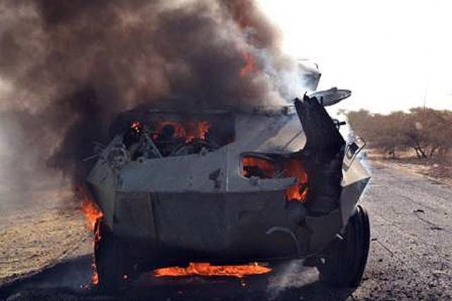 Un véhicule blindé de Boko Haram est la... (IMAGE AFP/ARMÉE NIGÉRIANE)