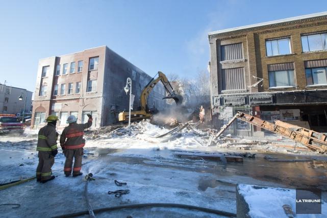 L'incendie de l'immeuble de la Petite Boîte Noire... (Imacom, Maxime Picard)