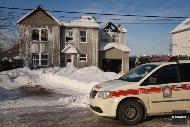Un incendie a détruit une maison unifamiliale de la 140e Rue dans le secteur... (Photo: François Gervais Le Nouvelliste)