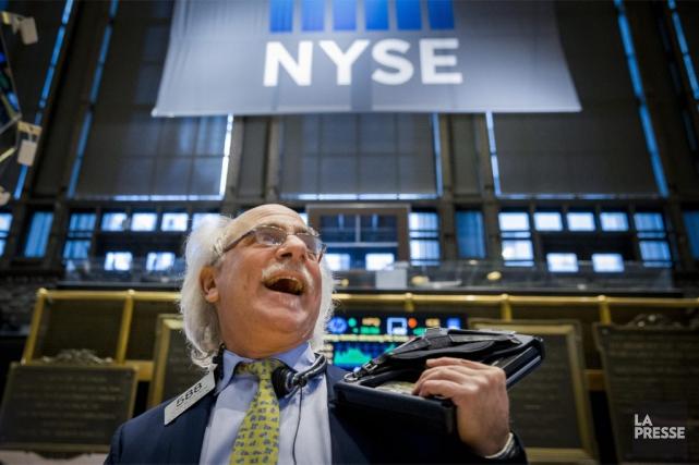 Désormais, «les investisseurs digèrent des chiffres américains qui... (PHOTO BRENDAN MCDERMID, REUTERS)
