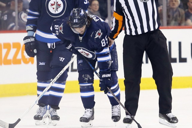 Mathieu Perreault a subi une «importante blessure au bas... (Photo Bruce Fedyck, USA Today Sports)