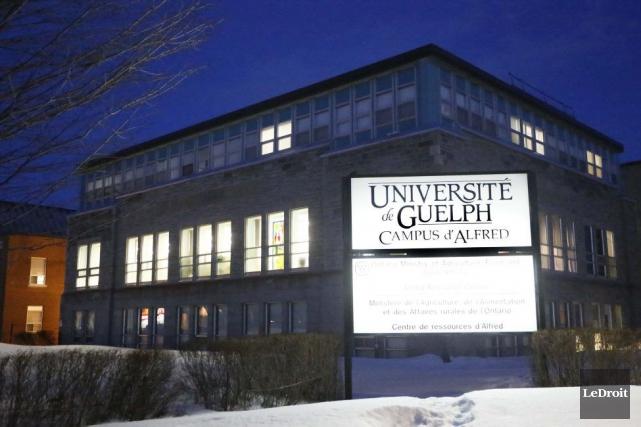 Le gouvernement ontarien propose de transférer le Collège... (Simon Séguin-Bertrand, Archives LeDroit)