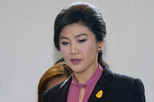 Yingluck Shinawatra risque jusqu'à dix ans de prison... (PHOTO PORNCHAI KITTIWONGSAKUL, ARCHIVES AFP)