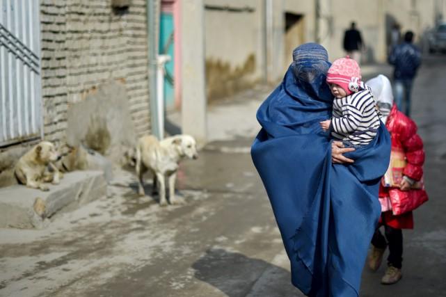 L'ONU a indiqué que 10 548 personnes avaient... (PHOTO WAKIL KOHSAR, AFP)