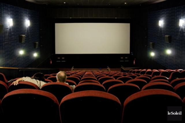 La fréquentation en salles de cinéma a chuté de 18% chez les Canadiens de mars... (Photothèque Le Soleil)