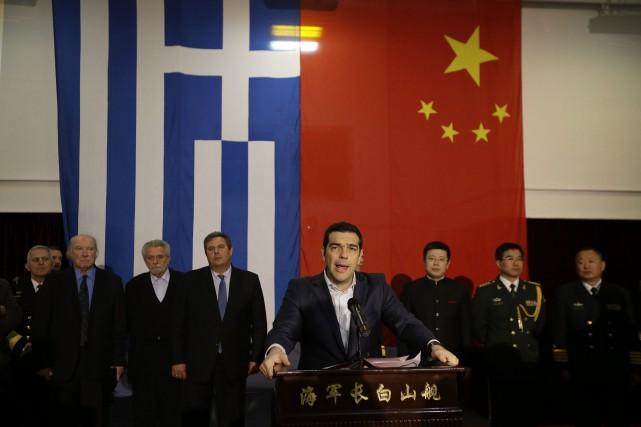 Le premier ministre grec a choisi Le Pirée... (Photo Thanassis Stavrakis, AP)