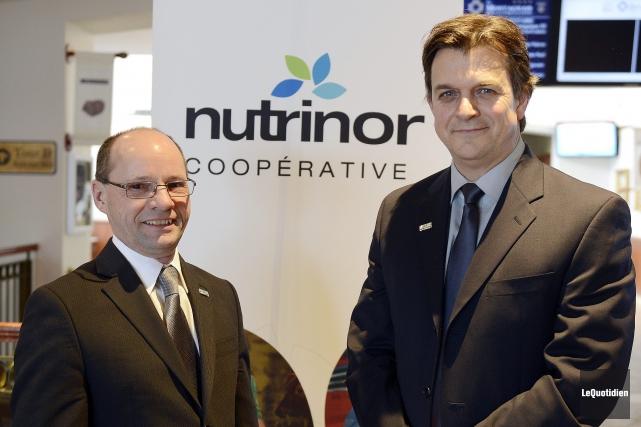 Le président de Nutrinor, Jean Lavoie, et le... ((Photo Le Quotidien, Jeannot Lévesque))