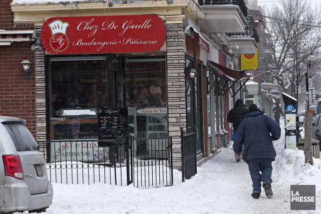 Le propriétaire de la Pâtisserie De Gaulle, dans... (PHOTO PATRICK SANFAÇON, LA PRESSE)