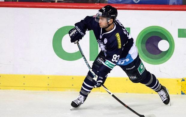Le hockeyeur originaire de l'Est ontarien, Martin St-Pierre,... (Courtoisie, Medvescak Zagreb)