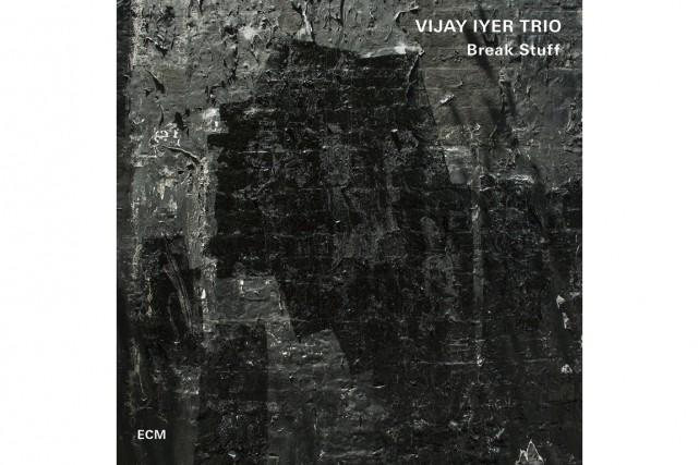 Ce trio de Vijay Iyer porte toutes les qualités souhaitables d'un petit...