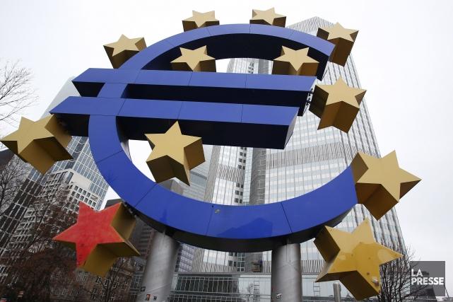 Après avoir emprunté 85 milliards d'euros en échange... (PHOTO DANIEL ROLAND, ARCHIVES AGENCE FRANCE-PRESSE)
