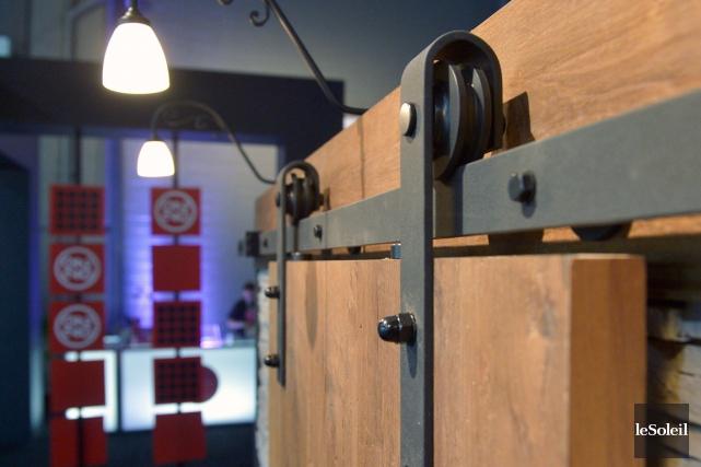 Recouverte d'un placage de chêne, cette porte sur... (Photo Le Soleil, Jean-Marie Villeneuve)