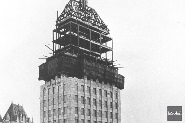 L'édifice Price en construction en 1929. L'idée de... (ARCHIVES LE SOLEIL)