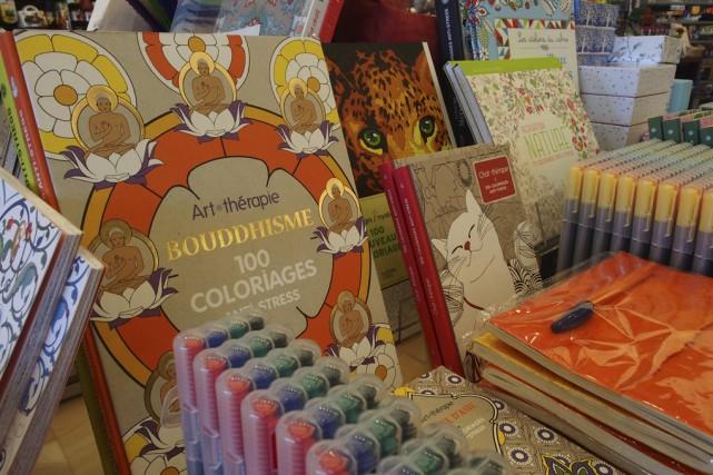 Les livres à colorier pour adultes sont en... (photo Alain Dion)