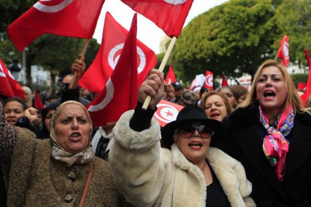 «Tunisie libre, terrorisme dehors!» ont scandé les manifestants... (PHOTO ANIS MILI, REUTERS)