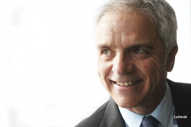Denis Harrisson a l'intention de rétablir les ponts... (Patrick Woodbury, LeDroit)