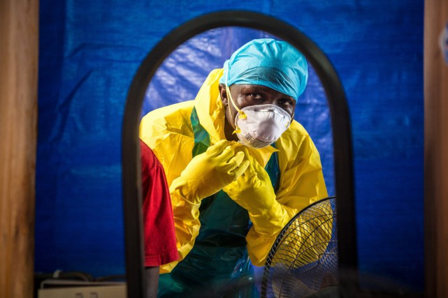 Avec 10 000 morts l'an dernier, la fièvre Ebola... (PHOTO MICHAEL DUFF, ARCHIVES AP)