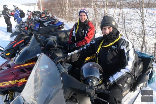 Près de 75 motoneigistes ont emprunté les sentiers... (IMACOM, Maxime Picard)