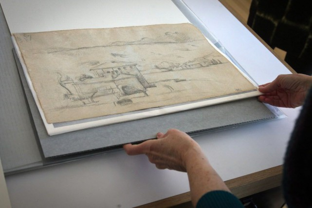 Paul Cézanne avait l'habitude de peindre des deux... (Photo Alejandro A. Alvarez/The Philadelphia Inquirer, AP)