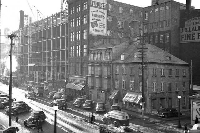 Le magasin Laliberté vers 1949... (Bibliothèques et archives nationales du Québec)