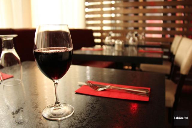 L'Association des restaurateurs du Québec s'inquiète des conséquences que... (ARCHIVES LA VOIX DE L'EST)
