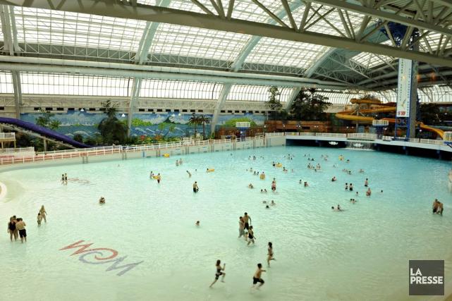 La piscine du West Edmonton Mall... (Photo: Bernard Brault, La Presse)
