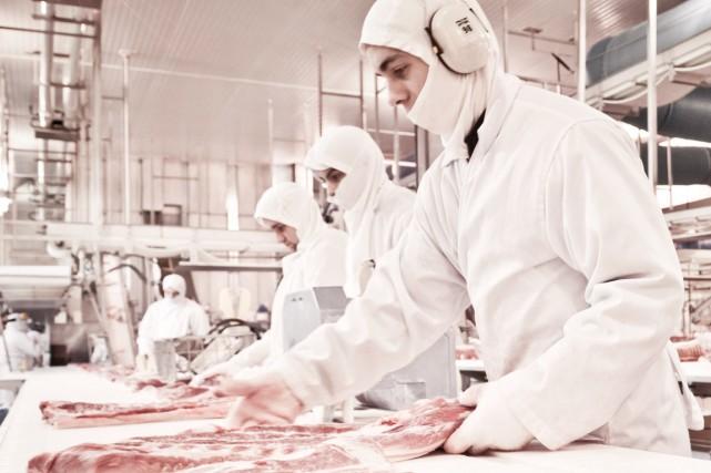 Un important manque de contrôleurs de la qualité de la viande au Canada... (Photo d'archives)