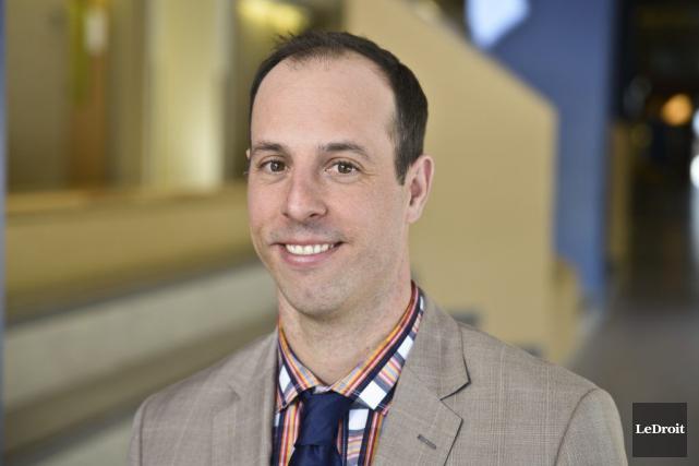 Jason Dupuis estime que les connaissances sont importantes,... (Martin Roy, LeDroit)