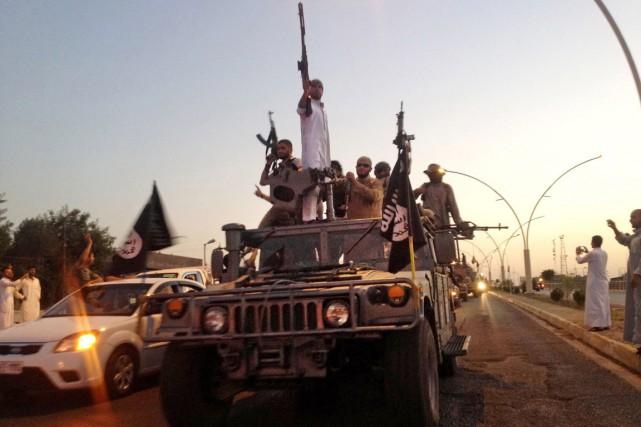 L'EI contrôle Mossoul depuis l'offensive fulgurante qu'il a... (PHOTO ARCHIVES AP)