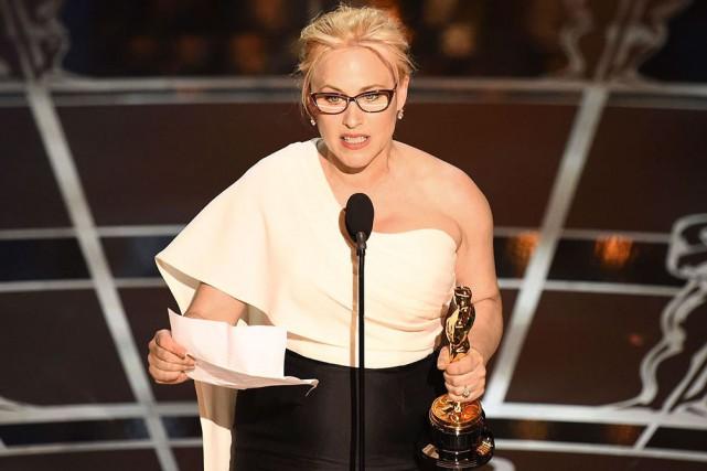 En acceptant son Oscar dimanche, Patricia Arquette a... (AP, John Shearer)